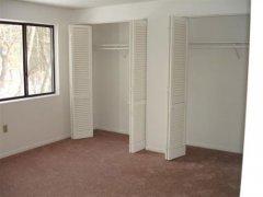 B3-Oakwood-Bedroom-(Small).jpg